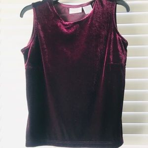 Jaclyn Smith Burgundy Velvet Top Size Small